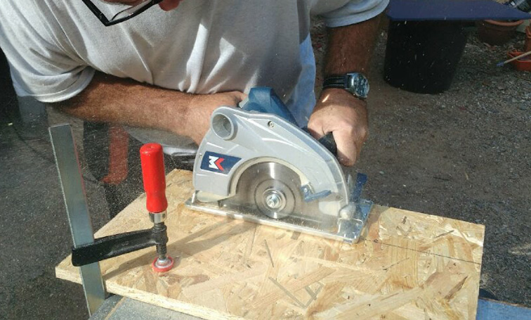 Atelier bois scie circulaire